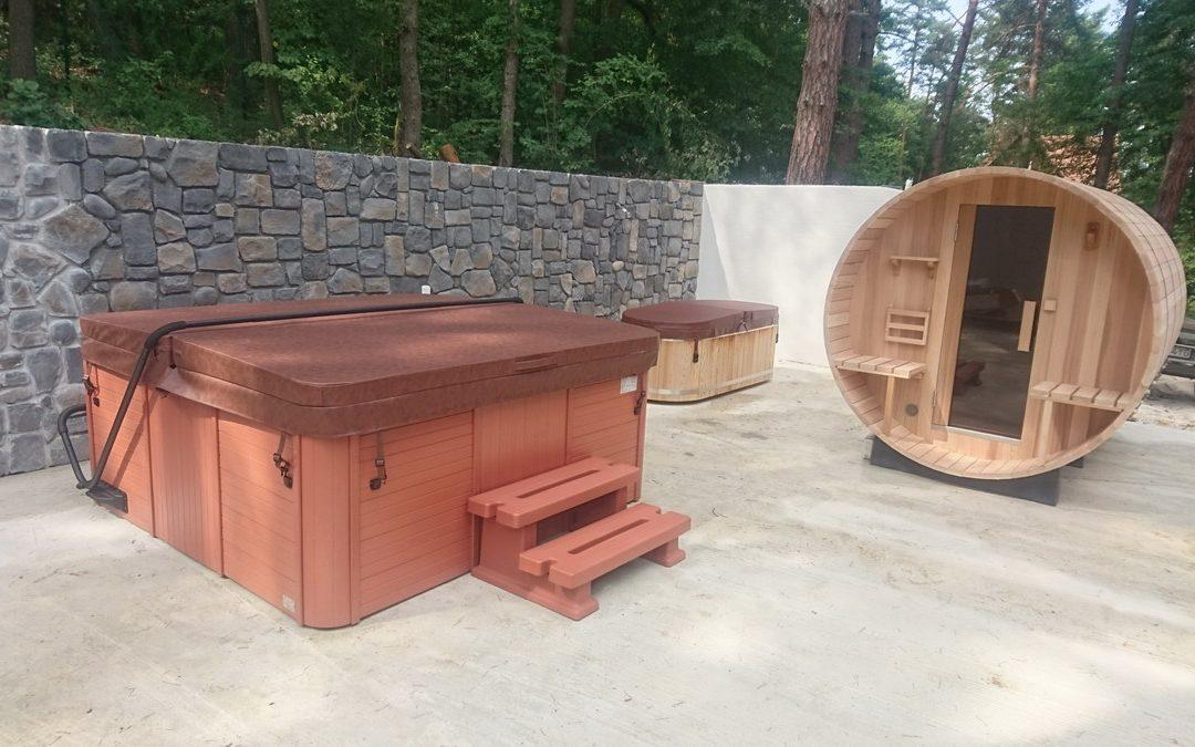 Vírivka Palace & sudová sauna Sarnia & ochladzovacia kaďa Vernon